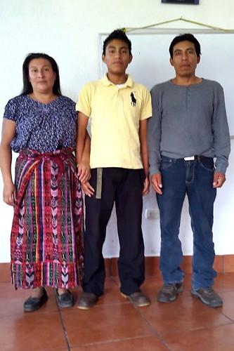 Domingo Sacach Chavajay y padres