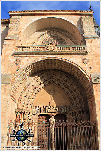 Portada meridional de la Catedral de de El Burgo de Osma (Soria)