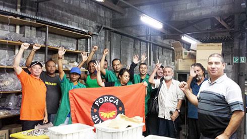 Mobilização nas fábricas em defesa dos direitos