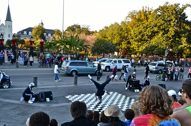 break dancer show - NOLA - jackson square