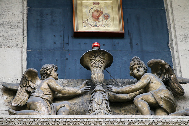 Angels on the wall of Kazan Cathedral, Saint Petersburg, Russia サンクトペテルブルク、カザン聖堂外壁の天使