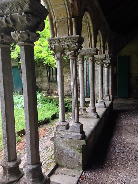 Cloister columns at Villelongue