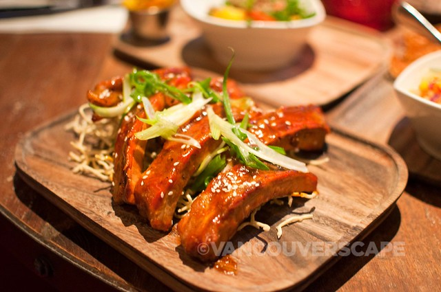 Asian sticky ribs, sweet and spicy soy sauce