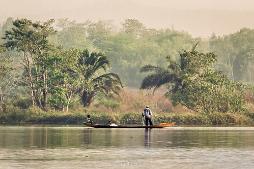 africa morning sunrise morninglight fishing fisherman westafrica nigeria abuja blackafrica arewa northernnigeria jabilake federalcapitalterritory abujafct nigerianimages nigerianphotos imagesofnigeria northnigeria
