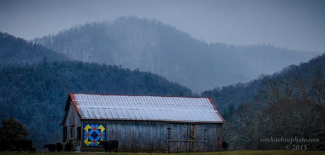 Snowy Quilt Barn