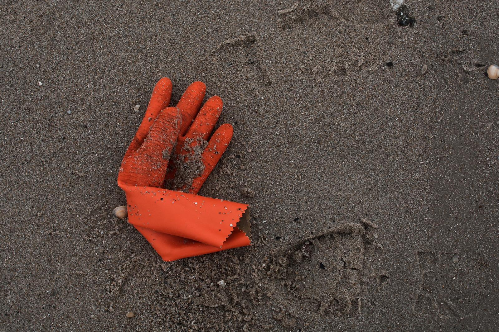 Handschuh am Strand