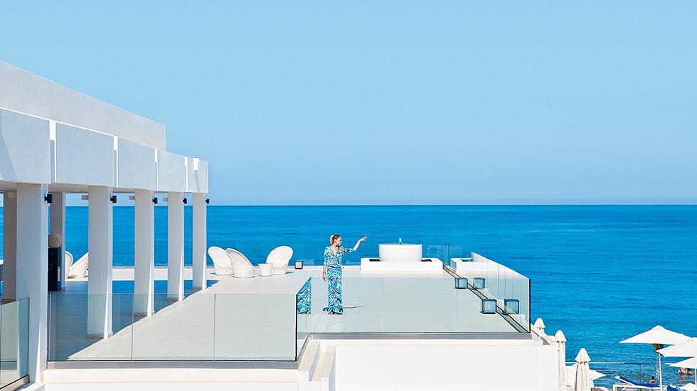 01-luxury-beach-resort-in-crete-white-palace-7066