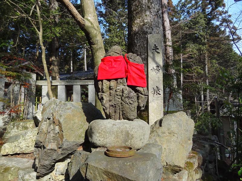 猿丸神社 夫婦猿