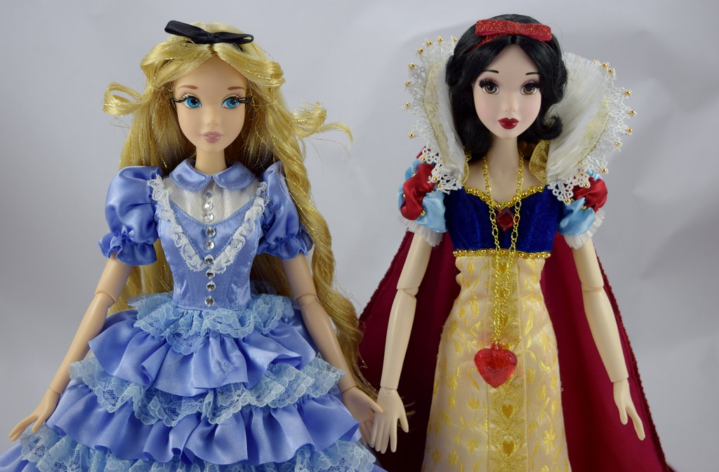 Disney Doll Alice Through The Looking Glass