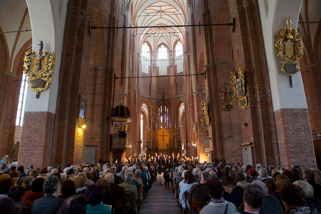 Morris Knolls High School Choir performs in St. Peter's Church in Riga, Latvia