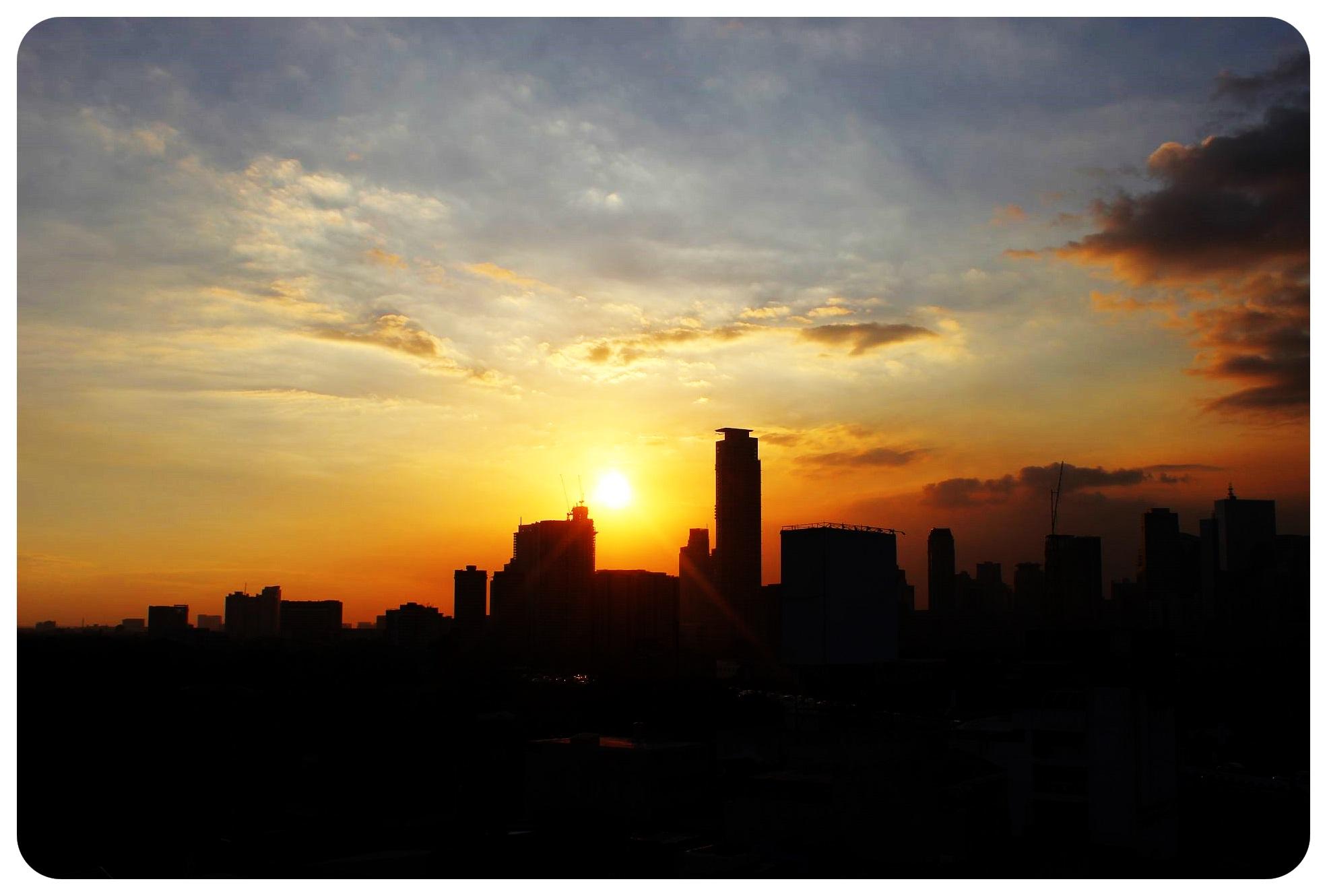 manila sunset philippines