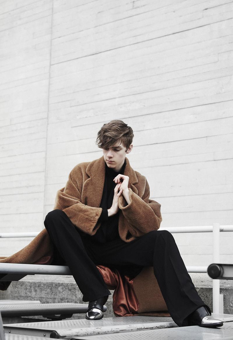 mikkoputtonen_fashionblogger_london_vintageCamelCoat_widelegtrousers_rachelzoeShoes2_WEB