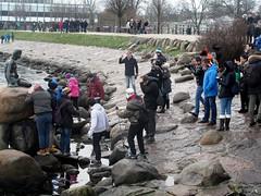 Copenhagen PEOPLE SHOOTING LILLE HAVFRUE