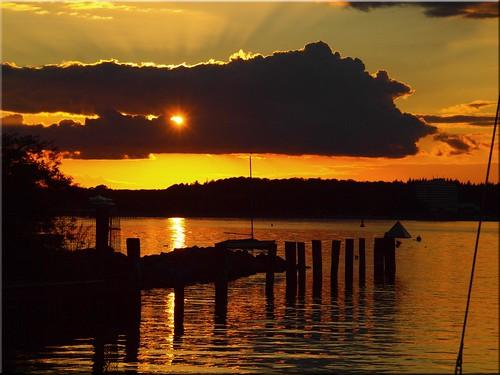 light sunset water geotagged deutschland licht wasser sonnenuntergang balticsea ostsee deu schleswigholstein timmendorferstrand niendorf olympuse620 geo:lat=5399361972 geo:lon=1081151359
