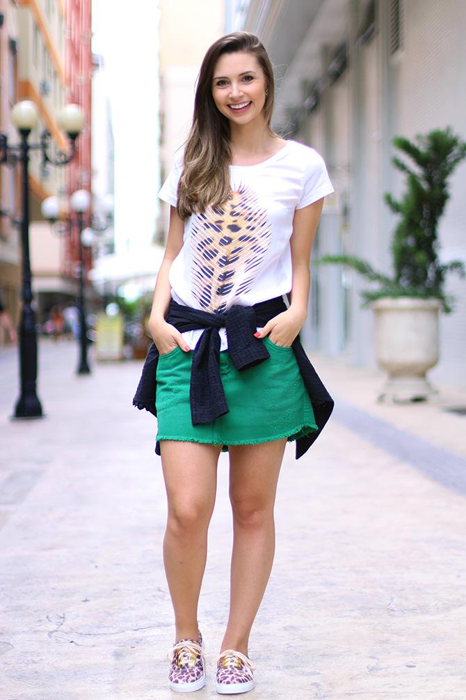 01-look do dia saia e tenis de oncinha petite jolie blog sempre glamour