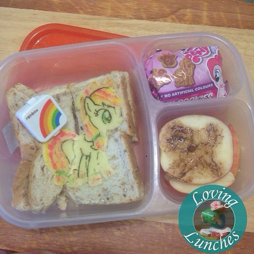 Loving forgetting to post this Rainbowed #AppleJack @easylunchboxes Miss M took to prep the other day… my Winona carving didn't quite work to plan, Miss M thought it was Barbie's dog! 😳