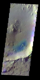 Crater in Elysium Planitia false color (THEMIS-IOTD_20150302)