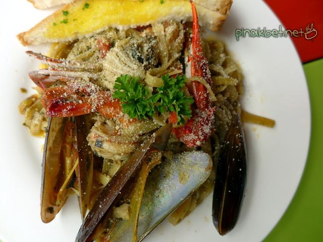 Seafood Marinara (145 Pesos)