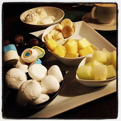Dagens dessert: chokladfondue. Nommigt! Ja, både köttfondue och ostfondue som föregick var minst lika goda. #fondueboden