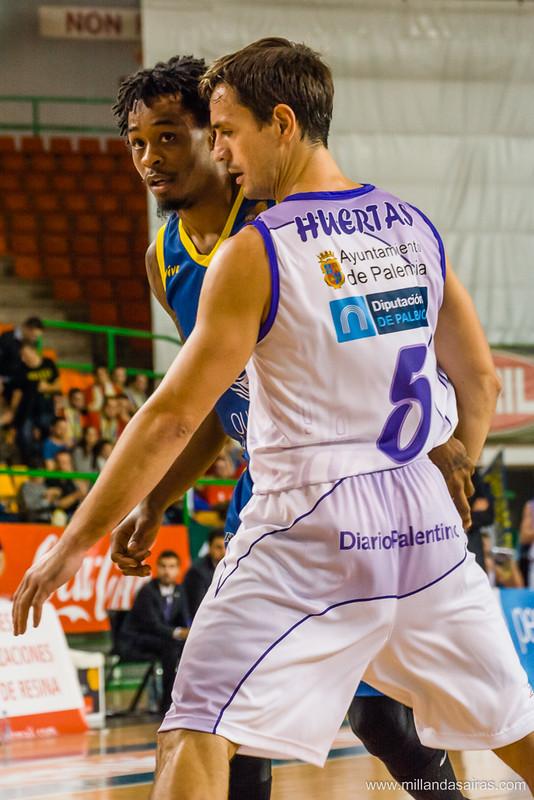 Tyler Brown con Rafa Huertas, ex-jugador del Ourense la temporada anterior.