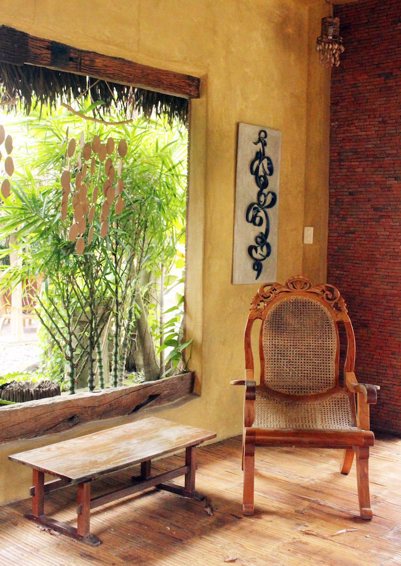 Ugu Bigyan Potter's Garden seating area with butaka chair