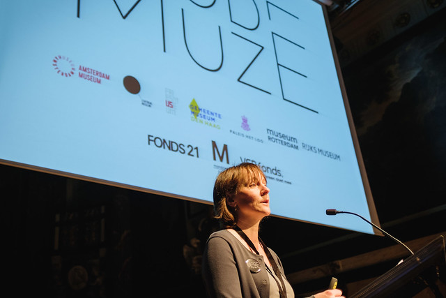 Mila Ernst introduces ModeMuze on the second conference day