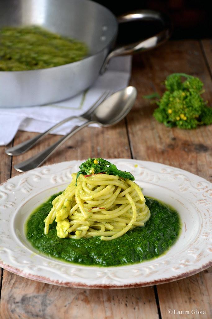 Spaghetti con provola e friarielli