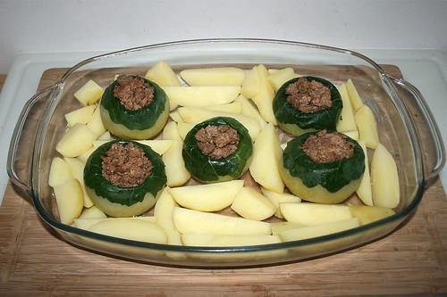 45 - Kartoffeln dazwischen verteilen / Add potatoes