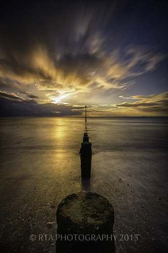 longexposure light sea sky golden glow devon groyne teignmouth nikond7000 rtaphotography