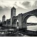 Le Pont Valentré by Jeremy Vickers Photography