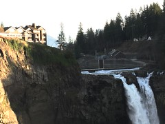 Snoqualmie Falls from upper viewpoint.