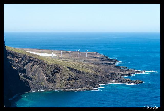 Tenerife Icod Vinos Garachico Punta Teno - Molinos eólicos desde Punta del Fraile