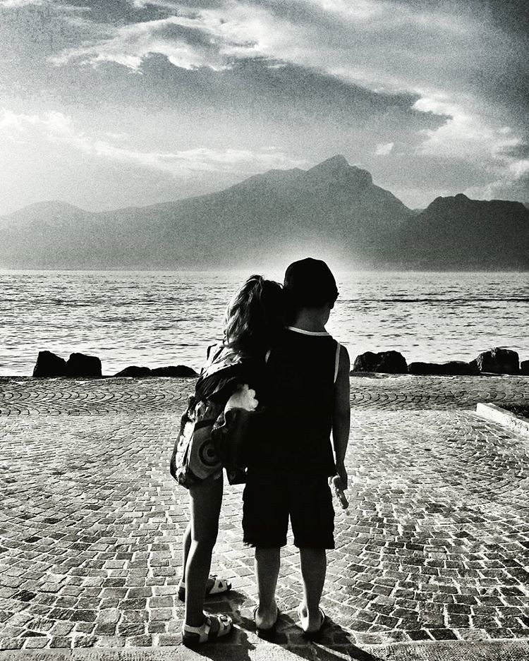 Looking At The lake   #kids #love #babygirl #mybabygirl #blackandwhite #bn #biancoenero #Photography #photooftheday #picoftheday #garda #igers #igersitalia #sky #clouds #lake #silhouette #looking #play #fun #beautiful #likesforfollow #instagramers #instag