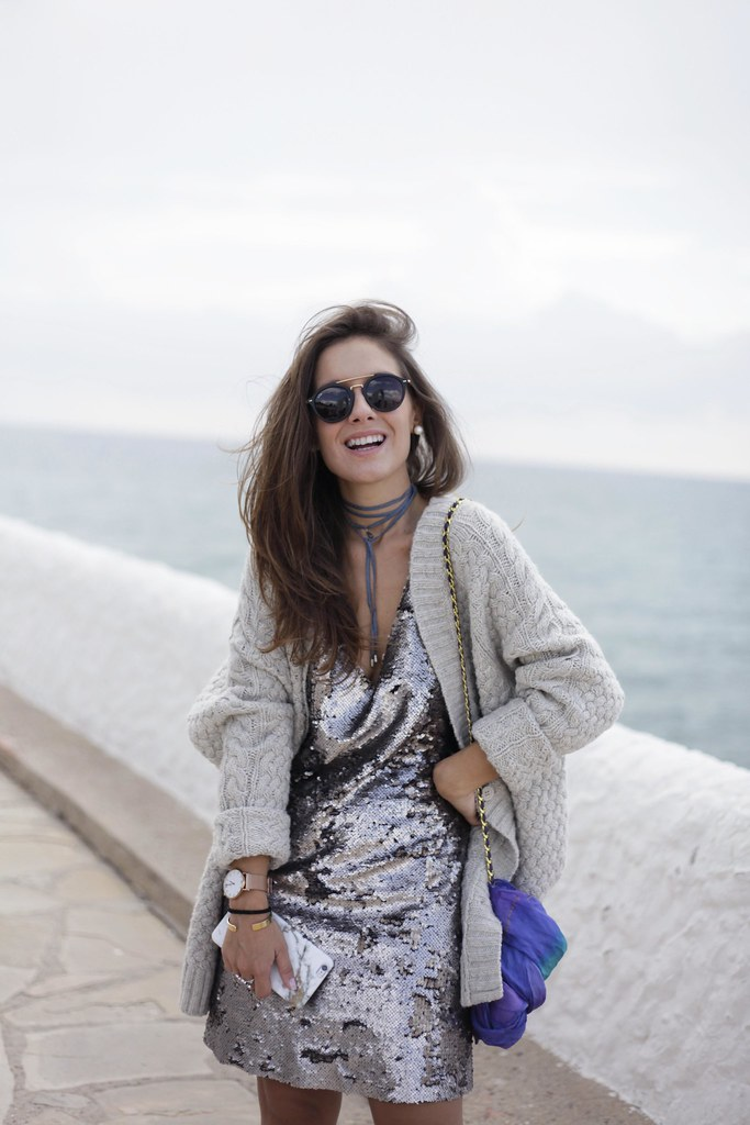 03_casual_outfit_sequins_and_cardigan_Mysundaymornig_theguestgirl_blogger_barcelona_influencer
