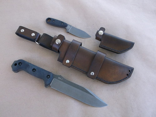 Dual carry sheath for the Becker BK7 and BK14