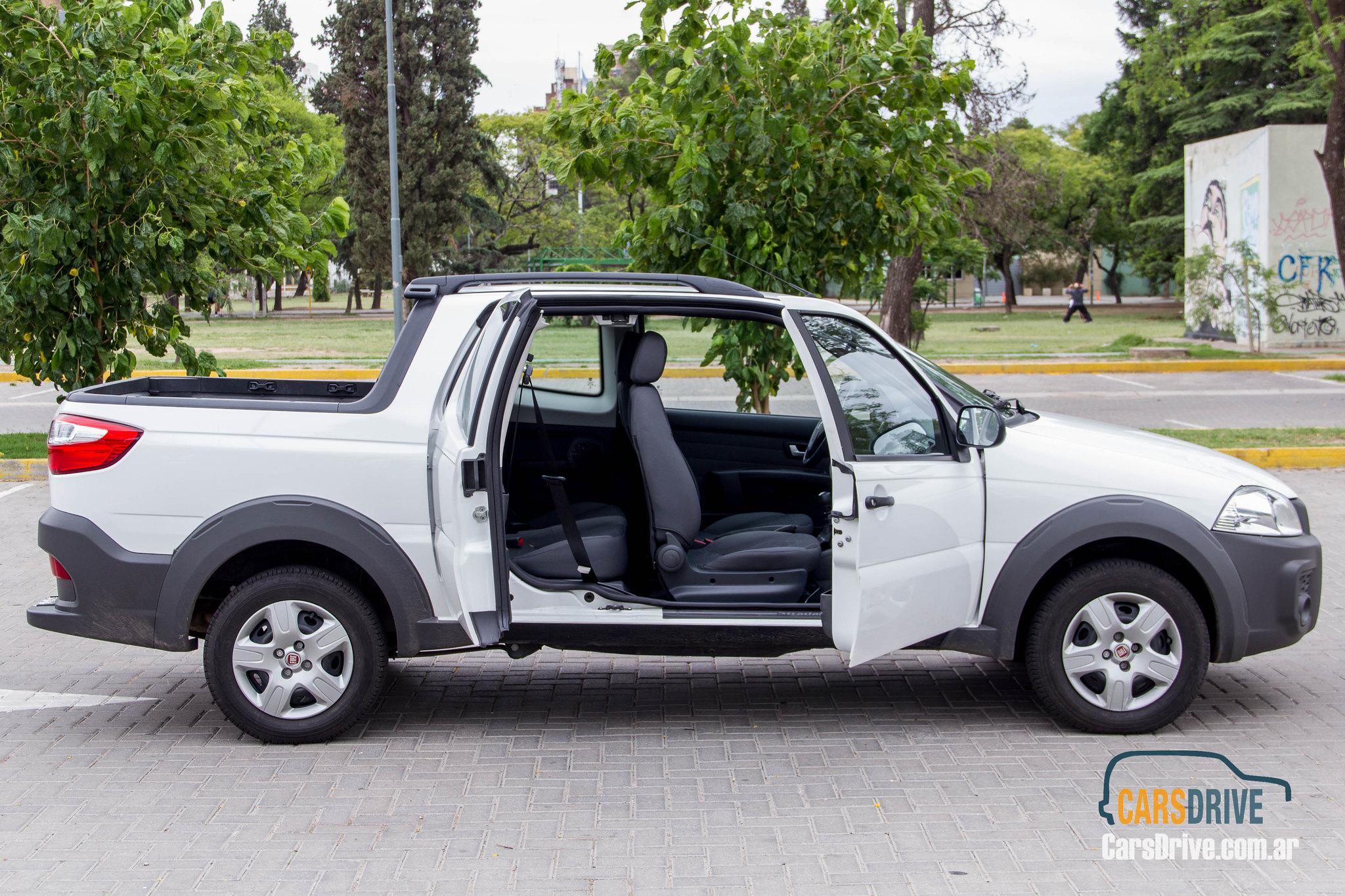CarsDrive Córdoba Prueba de manejo: Fiat Strada Working 1.4 cabina ...
