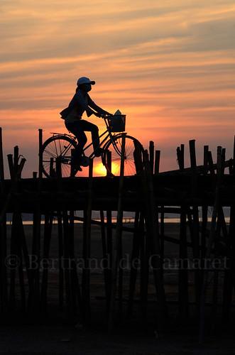 bridge asia cambodge cambodia pont asie bamboobridge kampongcham bertranddecamaret