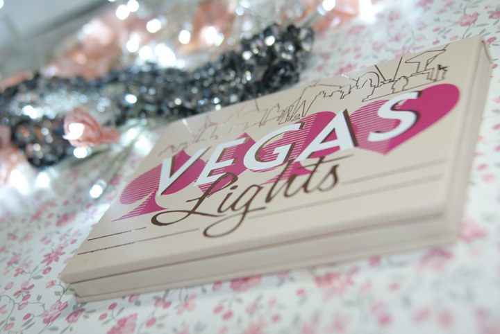 makeupgeek-paleta-vegas-lights-001