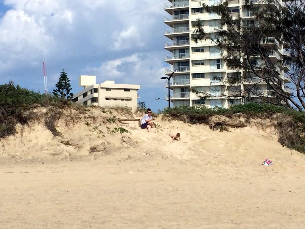 the beach - surroundings of sofitel gold coast-003