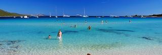 sakarun sand beach