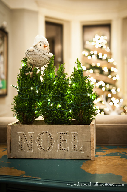 ChristmasLivingRoom_brooklynlimestone