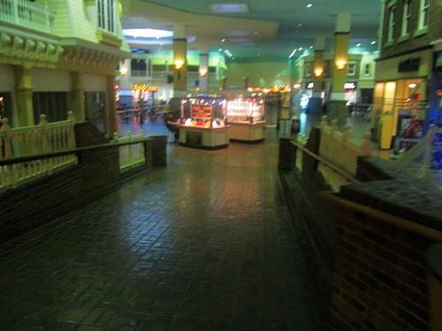 ny retail mall store auburn foodcourt 2014 fingerlakesmall