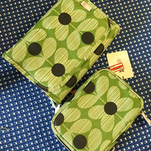 46:365 I may be the only person at #quiltcon without a single new handmade thing, but I did pick up these Orla Kiely bags (on clearance) to hold my supplies. #quiltconprep
