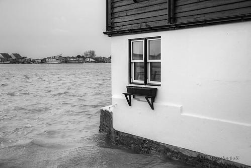 Spring Tide at the Star Gap Cottage
