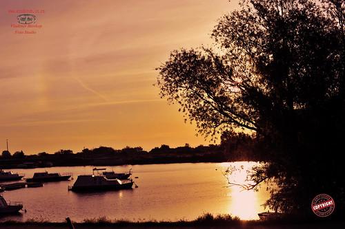 travel art sunrise river landscape 50mm nikon serbia danube vojvodina banat dunav boath kovin
