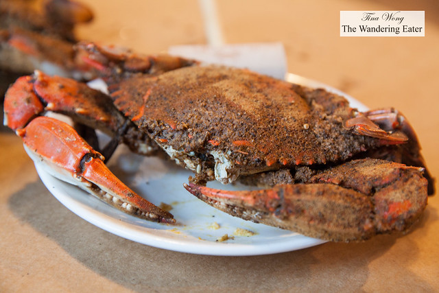 Steamed large male crabs seasoned