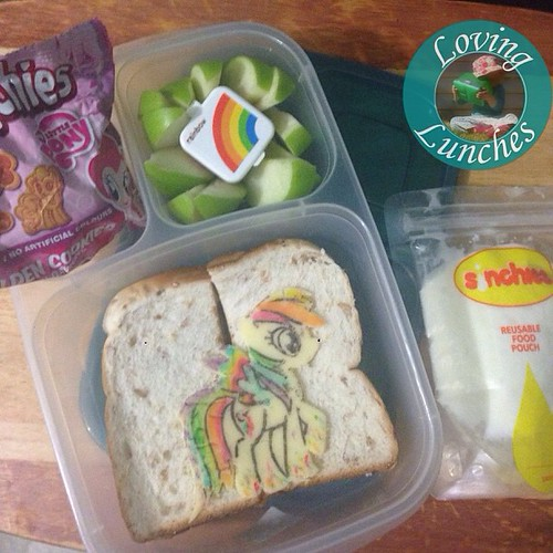 Loving another easy lunchces in our @easylunchboxes … #RainbowDash has been rainbowed!