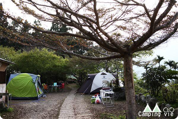 鳥松崙森林渡假營