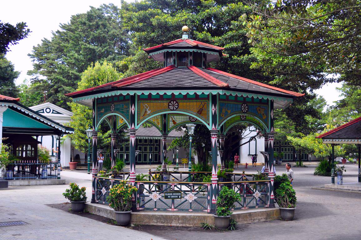 Palacio del Sultán de Yogyakarta yogyakarta - 16070025319 9358f74bbc o - Cosas que hacer en Yogyakarta y datos prácticos