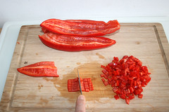 18 - Spitzpaprika würfeln / Dice pointed pepper